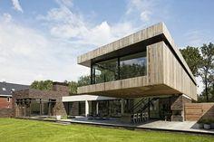 Bosvilla in Heesch by Hilberink Bosch Architects
