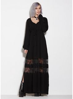 Dress up and go out in Hot Topic's fashionable girls dresses. If you're looking for something a little darker, try on one of our black gothic dresses Witch Fashion, Dark Fashion, Gothic Fashion, Wiccan, Casual Goth, Grunge, Mode Outfits, Punk, Look Cool