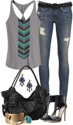 Solo el jeans, polera y pulsera
