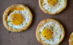 Lower Excess Fat Rooster Recipes That Basically Prime Cheesy Puff Pastry Baked Eggs Recipe Egg Recipes, Brunch Recipes, Cooking Recipes, Easter Recipes, Quick Recipes, Recipies, Breakfast Dishes, Breakfast Recipes, 5 Ingredient Recipes