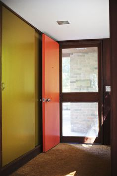 George Nelson house : brilliant front door color