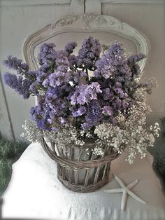 Gypsophilia and Statice. What a great combination. Love the soft country French colors! Love Flowers, Dried Flowers, Beautiful Flowers, Beach Flowers, Rustic Flowers, French Country Cottage, French Country Style, French Decor, French Country Decorating