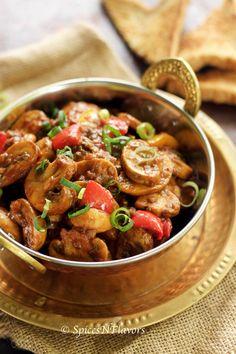 Chilli Garlic Mushroom - 10 mins side dish chilli garlic mushroom chilli garlic paneer side dish for chapati roti rice phulka, indian style mushroom recipe how to cook mushroom in indian style Chapati, Roti, Mushroom Recipes Indian, Mushroom Dish, Indian Food Recipes, Mushroom Curry, Veg Recipes, Vegetarian Recipes, Snacks