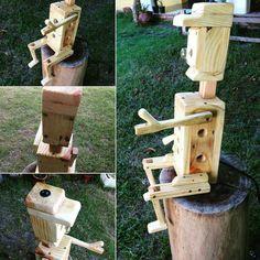 Luminária: boneco de madeira  Estudo em madeira de pinus. Reaproveitamento de madeira.