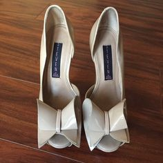 Steven bow peeptoes Steven rosale peep toe pumps. Size 5.5. There are scuff makes on the front of the inner right heel & a little bit discoloration on the inside of the left heel. Picture posted. NO BOX Steven by Steve Madden Shoes Platforms