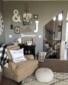 Cozy modern farmhouse living room decor ideas (29)