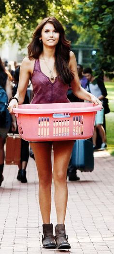 Showin' off her perf legs. Elena Gilbert - The Vampire Diaries. ♥
