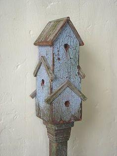 Google Image Result for http://1.bp.blogspot.com/_j_cma2V3qcs/TOmrrw_SsxI/AAAAAAAAAqE/OORVf4D80-g/s400/birdhouse.jpg