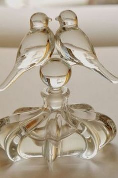♔ Bottles & Boxes ♔ perfume, snuff & decorative containers - 1940s Love-Birds perfume bottle