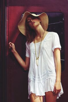 Arnhem Clothing Tarni Top White - Size S - NWT