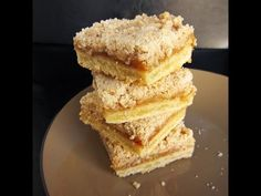 Apple Pie Bars - made these I added cup oats to the streusel topping. Apple Recipes, Sweet Recipes, Cookie Recipes, Yummy Recipes, Fall Desserts, Delicious Desserts, Yummy Food, Eat Dessert First, Dessert Bars