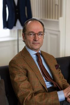 """the-suit-men: """" Bernhard Roetzel: """"I appreciate the style of the and etc. but I don't think that we should indulge in a nostalgia that suggests that all men were elegant in those days. Despite being old fashioned I. Older Mens Fashion, Mens Fashion Suits, Mens Suits, Modern Gentleman, Gentleman Style, Style Costume Homme, Suit Combinations, Look Formal, Style Masculin"""