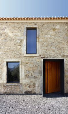 Image 9 of 40 from gallery of Eira House / AR Studio Architects. Photograph by Soraia Oliveira