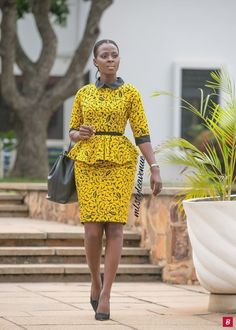 25 Fashion Fabulous African Style Outfits for Work Who says bold African prints can't hold their own in a corporate environment? Below are 25 African Styles with vibrant Afric Ankara Styles For Women, Kente Styles, Latest Ankara Styles, African Dresses For Women, African Print Dresses, African Print Fashion, Africa Fashion, African Fashion Dresses, African Attire