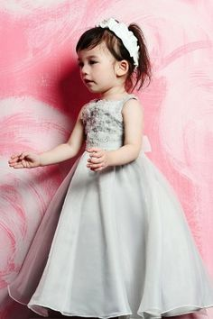 Flower girl dress-- love the back of this-- ALI take a look