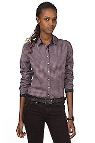 Trendy print pattern shirt. Classical fit with the benefits of cotton: breathable, absorbent and static-resistant features make it a choice material even for people with sensitive skin or allergies. Added stretch for extra wearing comfort. Pointed collar, accent button on the throat, tape along the inner collar and placket. Shirt tail hem