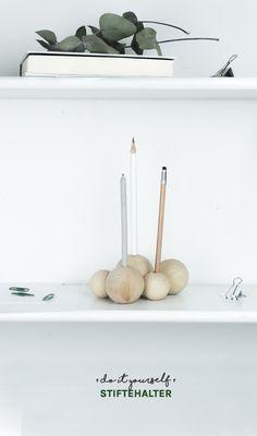 DIY Stiftehalter – auf dem Blog zeige ich euch, wie ihr einen tollen Holz Stifteköcher basteln könnt | schnelles Stiftehalter DIY | Minimalismus | Skandi Design | Schreibtisch Organisation | Do it yourself | DIY Geschenkidee