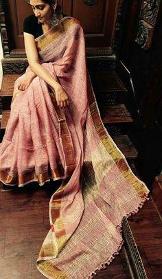 Pure Lenin sarees with Zari border Order what's app 7995736811 Modern Indian Saree CLICK VISIT link above to read Chiffon Saree, Saree Dress, Blouse Back Neck Designs, Blouse Designs, Indian Dresses, Indian Outfits, Indian Clothes, Black Saree Blouse, Red Saree