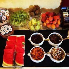#goodmorning #goodmorningbreakfast #gutenmorgen #buongiorno #breakfast #breakfasttime #fruit #fruitbreakfast #frühstück #obst #vegetarian #vegetariano #vegan #veganbreakfast #hotel #hotelbreakfast #glutenfree #glutenfreevegan #bestholidayever #beautifuldestinations #urlaub #holiday #hotelpironi #cannobio #lagomaggiore #insafood