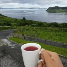 Morning tea in Scotland | #isleofskye #Scotland #ecosse #landscape #inspiration