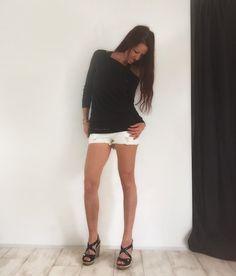 "YoWhee Longshirt mit U-boot Ausschnitt ""catch your dream"" Leggings, Yoga, Dreaming Of You, White Shorts, Selfie, Women, Fashion, Moda, Fashion Styles"