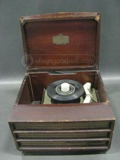 RCA Victor Brown 45 Record Player 7HF45