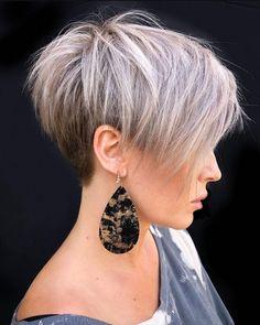 Short White Hair, Short Choppy Hair, Short Hair With Layers, Short Hair Cuts For Women, Short Hairstyles For Women, Short Hair Styles, Short Pixie Bob, Hairstyle Short, White Pixie Cut