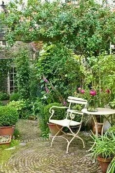 Rustic courtyard garden like ours. Add interest with living boarders that. - Rustic courtyard garden like ours……. Add interest with living boarders that define the space a - Back Gardens, Small Gardens, Outdoor Gardens, Courtyard Gardens, Brick Courtyard, French Courtyard, Courtyard Ideas, Patio Ideas, Garden Seating