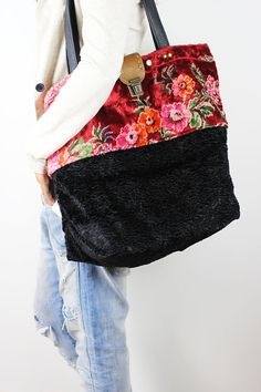 Large Carry All Tote Bag/Upcycled Vintage Floral Fabric Tote Bag/Antique Rose & Black Carry-All Bag/Retro Style Tote Bag- SoniaEF1