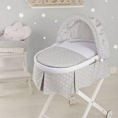Moises de mimbre vestido para recien nacido ADELE en color gris Mosses Basket, Adele, Baby Needs, Baby Online, Baby Furniture, Baby Essentials, Baby Cribs, Baby Shower Themes, Baby Room
