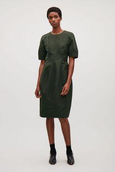 e443ec8c35bf COS image 1 of Dress with voluminous sleeves in Dark Green ·  FrauenkleiderKurze Ärmel KleiderMein ...
