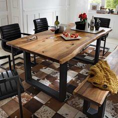 Schöner Esstisch mit Baumkante aus Akazie Massivholz zum kleinen Preis. Untergestell aus Metall in Anthrazit. Ideal für eine moderne Loftwohnung mit rustikaler Note. Tolle Esszimmer Einrichtungsidee! Passende Stühle und die Bank finden Sie auch bei uns. Hier finden: esstisch-escoba-aus-akazie-massivholz-mit-baumkante.JPG/#pint