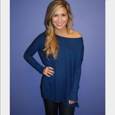 New Navy piko top. Size small. New Navy piko top. Size small. Stay warm and comfy with this long sleeved loose wardrobe essential piko top in a classic navy color. NO TRADES. Price is firm unless bundled! Tops Tees - Long Sleeve