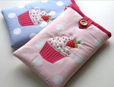 Cupcake Kindle Cosies by The Apple Cottage Company Diy Projects To Try, Sewing Projects, Handmade Bags, Handmade Items, Kindle Case, Small Case, Love Cupcakes, Sewing Class, Glasses Case