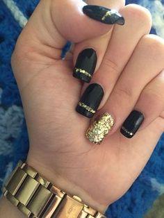Dark gel nails, gold gel nails, black manicure, black gold nails, b Dark Gel Nails, Gold Gel Nails, Black Gold Nails, Gold Nail Art, My Nails, Black Manicure, Silver Nails, Acrylic Nails, Black Glitter