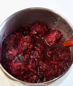 These Blackberry Dumplings are a southern favorite. They are big fluffy dumplings that soak up lots of juice from a syrupy bath of blackberries! Seedless Blackberry Cobbler, Blackberry Dumplings, Blackberry Dessert, Drop Dumplings, New Cooking, Cooking Ideas, Food Ideas, Canned Biscuits, Homemade Whipped Cream