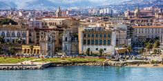 36 ore a Palermo: la Guida nel New York Times Italy Vacation, Vacation Spots, Italy Travel, Grand Tour, Villa Romaine, Wanderlust, Hotels, Beaux Villages, Italy Tours
