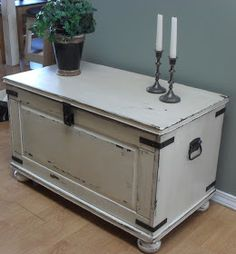 Home Frosting: Ikea Pine Chest Makeover.hardware ,custom stencil & antique heart padlock on the way. This is one diy I plan to do right away. Cedar Chest Redo, Painted Cedar Chest, Wooden Chest, Hope Chest Redo, Trunk Redo, Trunk Makeover, Blanket Box Makeover, Ikea Makeover, Paint Furniture