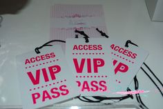 Acces vip pass, Pase para la fiesta pop . Pop star, birthday party, ideas, http://antonelladipietro.com.ar/blog/2012/11/fiesta-pop-para-paloma/