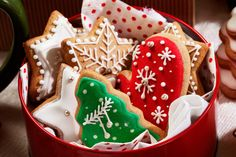 Simplify your holiday baking and throw an unforgettable holiday party with these tips, for throwing a cookie exchange party.