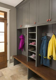 Under bench room for boots with storage for baskets in middle for hats and gloves