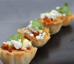 Savory Phyllo shells with Onion Tomato Chutney, Goat Cheese and Cilantro! Phyllo Dough Recipes, Athens Food, Phyllo Cups, Frozen Puff Pastry, Tomato Chutney, Eating Light, Healthy Appetizers, Appetisers, Finger Foods