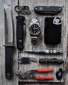 Tactical Life, Edc Tactical, Tactical Survival, Survival Mode, Urban Survival, Survival Prepping, Survival Kits, Edc Carry, Edc Gadgets