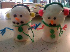 Pill bottle and cotton ball snowman