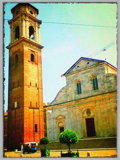 Il duomo di Torino e la torre campanaria in una giornata di sole. Foto della Redazione Web della Città di Torino. www.comune.torino.it #chiese