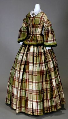 HISTORICAL GREEN & OIL PRINTED DRESSES
