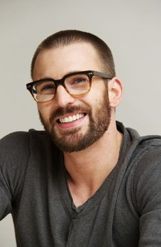 Chris Evans| beard|attractive
