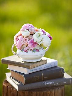 Bridal Shower: stacked book centerpieces for tables Book Centerpieces, Vintage Centerpieces, Wedding Centerpieces, Wedding Decorations, Centerpiece Ideas, Book Decorations, Teapot Centerpiece, Quince Decorations, Quinceanera Centerpieces
