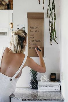 White Wall Note Pad, Kraft Roller Wall Pad, Hanging Wall Pad, Wall Paper Scroll – – decoration for home First Apartment, Apartment Living, Apartment Ideas, Single Girl Apartment, Apartment Bar, Living Room, Boston Apartment, Apartment Walls, Diy Cozinha