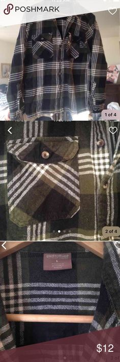 Men's Button Up Flannel Really nice quality flannel. Soft and thick. Forest green and black. Nice buttons on sleeves and front. Shirts Casual Button Down Shirts